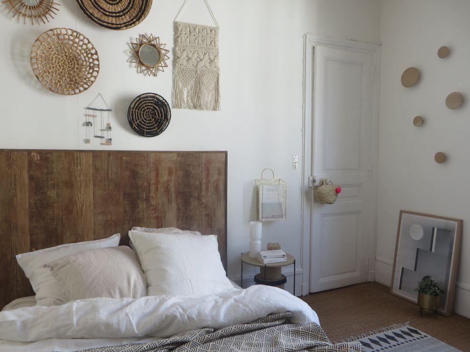 Une tête de lit, imaginée et créée entièrement par Joli ...